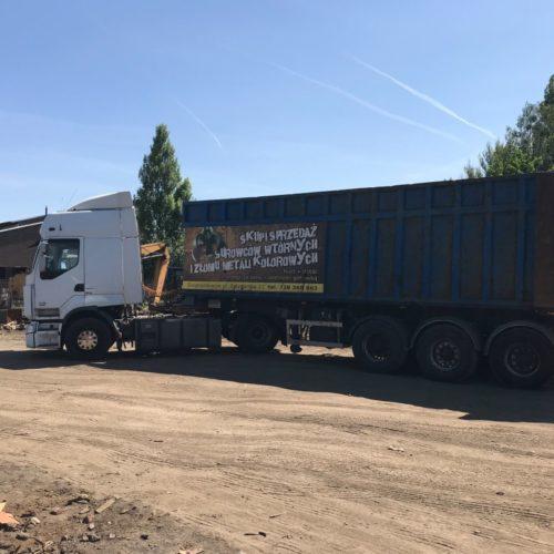 Ciężarówka do transportu złomu